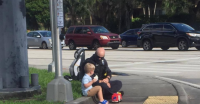 Police officer's heartwarming act for a child after a car crash: Viral