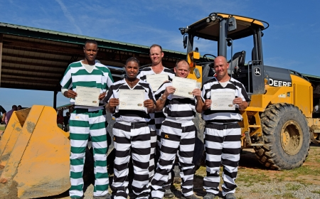 Inmates Volunteer to Help Clean Up After Hurricane Michael